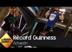 Enlace a David Marchante bate el récord mundial a la dominada más pesada (96,85 kg)