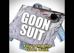 Enlace a El traje para borrachos perfecto para la oficina que querrás tener