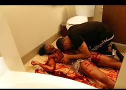 Enlace a Ese momento dramático cuando encuentras a tu novia muerta en el baño (ABSTENERSE SENSIBLES)
