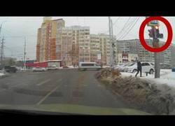 Enlace a El perro que sabe más las señales de tráfico que las personas