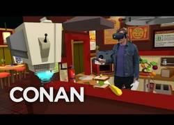 Enlace a Conan O'Brien probando la Realidad Virtual en las oficinas de Google