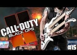 Enlace a El guitarrista que se mete en partidas de Call of Duty a tocar la guitarra de forma épica