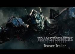 Enlace a El primer tráiler de Transformers: The last knight te dejará con ganas de ir al cine