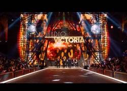 Enlace a Bruno Mars y su gran show en el desfile de Victoria's Secret