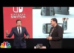 Enlace a Jimmy Fallon probando el nuevo Super Mario Run que saldrá en los próximos días y la Nintendo Switch