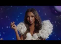Enlace a Los ángeles de Victorias' Secret nos desean Feliz Navidad de esta forma tan sensual