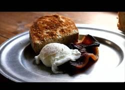 Enlace a Haciendo el desayuno típico del siglo 18