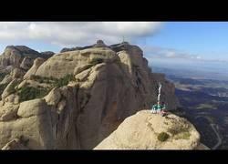 Enlace a Castellers en la cima de Cavall Bernat en Montserrat