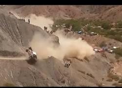 Enlace a Otra vez pasó, el accidente en el Dakar 2017 que deja fuera a Carlos Sáinz
