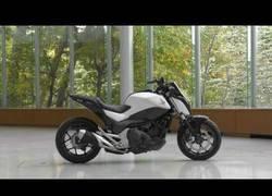 Enlace a La nueva moto experimental de Honda se mantiene en equilibrio automáticamente