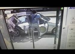Enlace a Unos ladrones muy veloces, nada más y nada menos que en 30 segundos roban un banco
