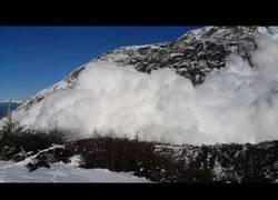 Enlace a La alucinante avalancha en Torres Del Paine