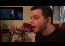 Enlace a La mejor reacción de este fan al tráiler de los Power Ranger