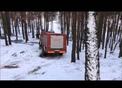 Enlace a No es fácil ser un camión de bomberos y tener un trabajo en la nieve