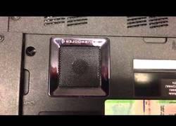 Enlace a Un subwoofer falso en un portátil Lenovo