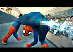 Enlace a Spiderman anatómicamente correcto [Inglés]