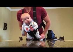 Enlace a Cuando te quedas solo en casa con tu hijo y sacas ingenio para pasarlo en grande