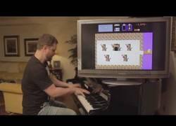 Enlace a Jugando al Zelda con música del piano