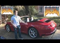 Enlace a Implementando el Doom en un Porsche 911 mientras conduces