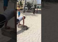 Enlace a La competencia que hay en la playa para hacer ejercicio