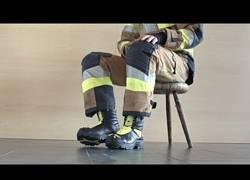Enlace a Los increíbles detalles de unas botas de bomberos