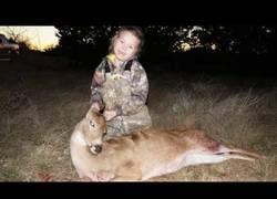 Enlace a ¿Te acuerdas de Lilly? La joven cazadora ya ha matado a su segundo ciervo y lo celebra a lo grande
