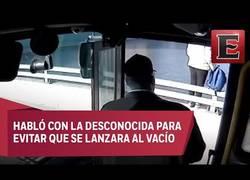 Enlace a Este conductor de autobuses evita que una mujer se suicide en el puente de Ohio