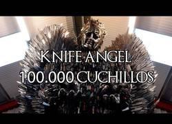 Enlace a Un ángel de 100.000 cuchillos que empequeñece el Trono de Hierro