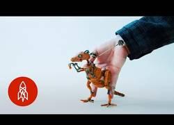 Enlace a Este es el chico que creó unas marionetas que lo están petando en todo el mundo