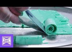 Enlace a Esta es la elaboración de estos sabrosos helados enrollados