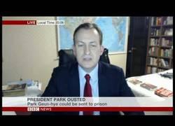 Enlace a Padre está haciendo una entrevista en la BBC y de repente entran sus hijos