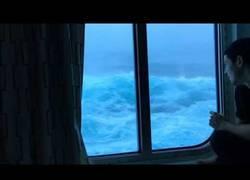 Enlace a No hay nada que de más terror que un viaje en barco con el mar revuelto