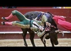 Enlace a Juan José Padilla vuelve a ser corneado de gravedad por un toro