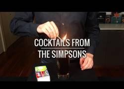 Enlace a Recrean los cocktails más famosos mostrados en Los Simpson y el resultado es delicioso