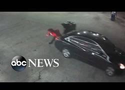 Enlace a WTF? Hombre secuestrado consigue escapar del maletero de un coche en una gasolinera