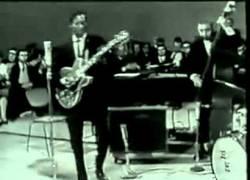 Enlace a Muere a los 90 años Chuck Berry uno de los pioneros del rock and roll