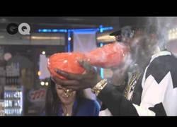 Enlace a Fumando el porro más caro del mundo (hecho con oro)