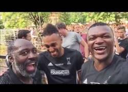 Enlace a ¿Tiene Desailly la mejor risa jamás escuchada?