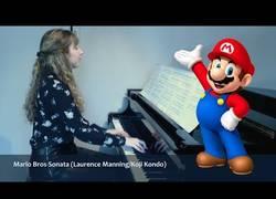 Enlace a Tocan en piano una sonata al estilo Super Mario y el resultado es tremendamente genial