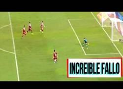 Enlace a El increíble gol fallado de River Plate en una jugada de 4 jugadores vs el portero