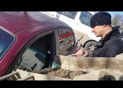 Enlace a Nunca te metas con un ruso, te puede dejar el coche lleno de cemento