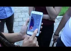 Enlace a Presenta un móvil norcoreano pero al empezar a trastearlo se llevan una sorpresa