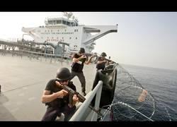 Enlace a La batalla de guardias de seguridad privada vs piratas somalís en alta mar