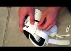 Enlace a Compra unas zapatillas por 12€ en internet y cuando llegan a casa descubre algo inquietante