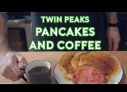 Enlace a Preparando el clásico desayuno de Twin Peaks