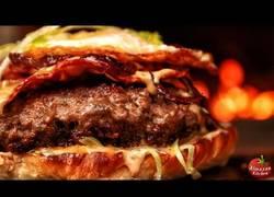 Enlace a Así se cocina la hamburguesa más deliciosa del mundo