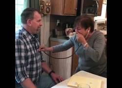 Enlace a La reacción de una madre que escucha de nuevo el corazón donado de su hijo ya muerto
