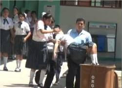 Enlace a En esta escuela de Perú sus alumnos se desmayaron al meterse el demonio en sus cuerpos