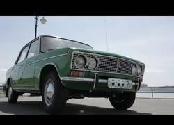 Enlace a El coche soviético que se vende por 62.000€ al estar en perfecto estado