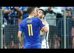 Enlace a La tremenda pelea que se produjo en el Bosnia - Grecia
